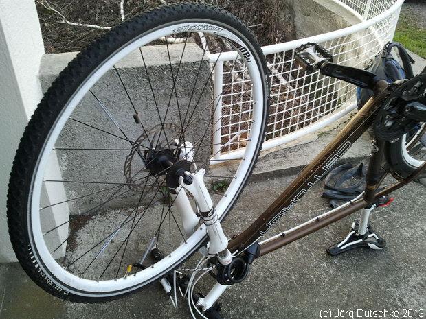 Repariertes Vorderrad meinen Centurion-Crossbikes
