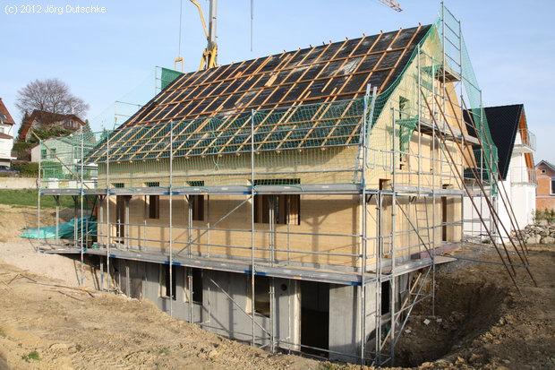 Komplettansicht der Holz100-Haus-Baustelle