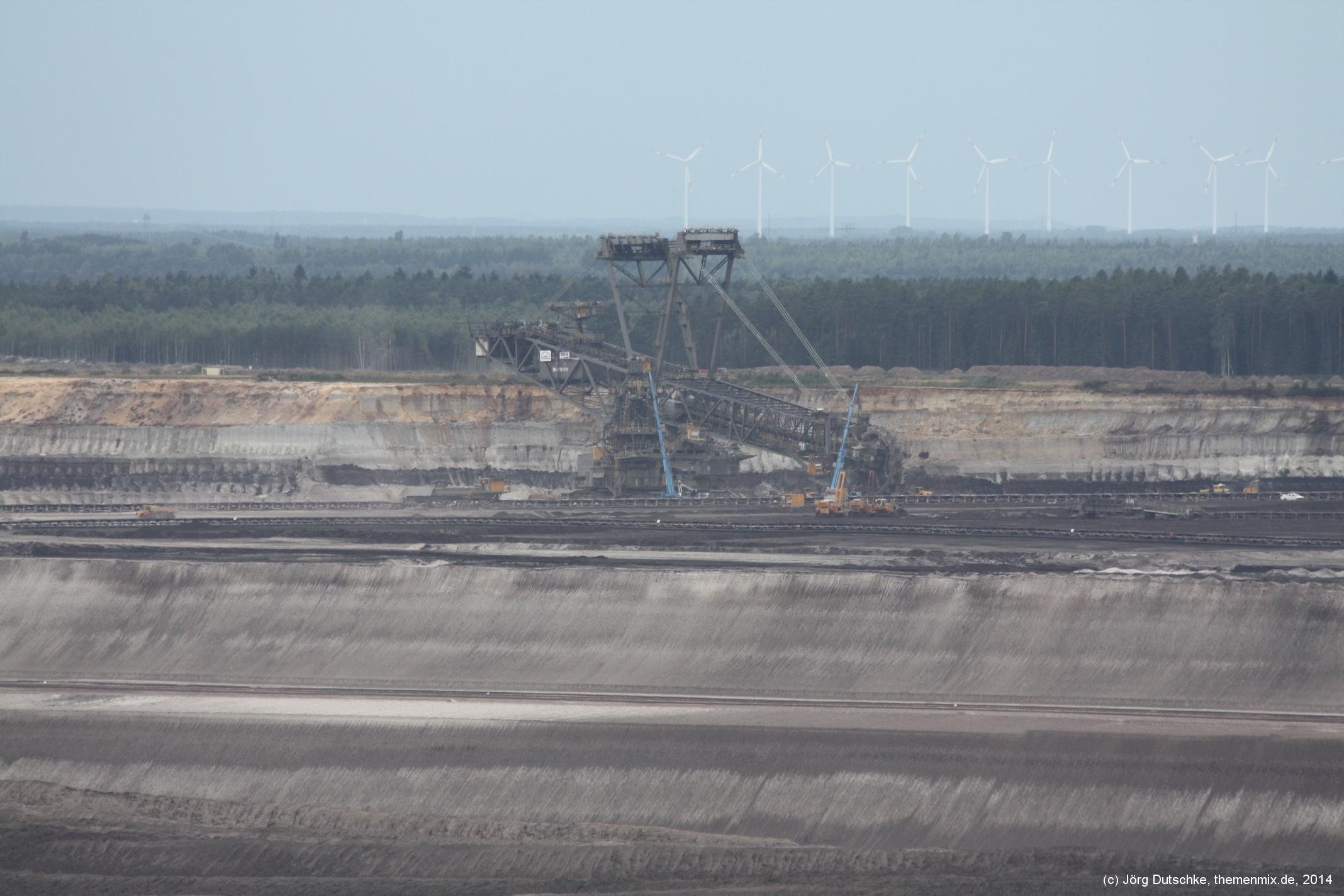 Schaufelradbagger im Tagebau Nochten
