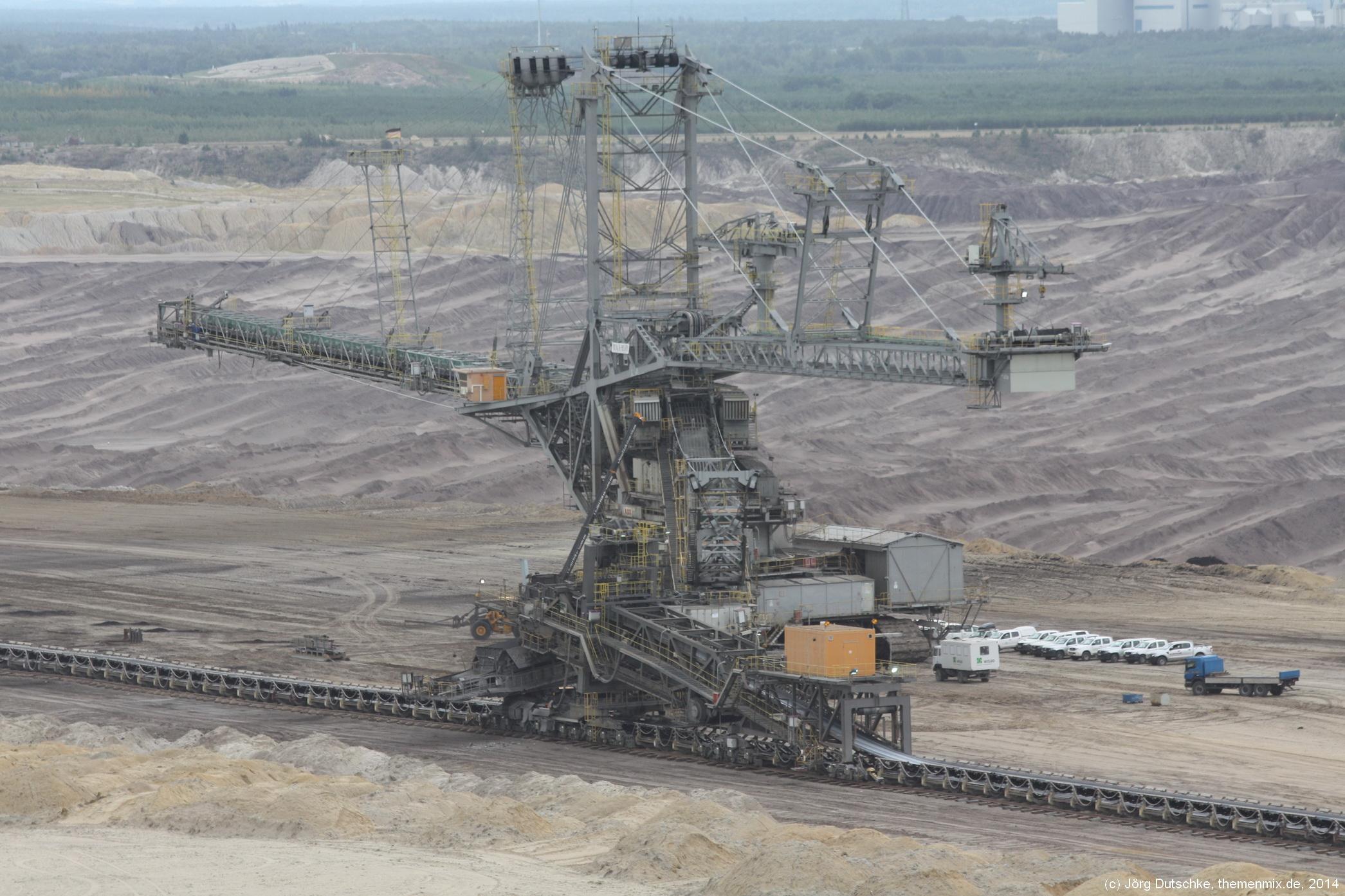 Schweres Gerät im Tagebau Nochten: ein eiserner Dämon