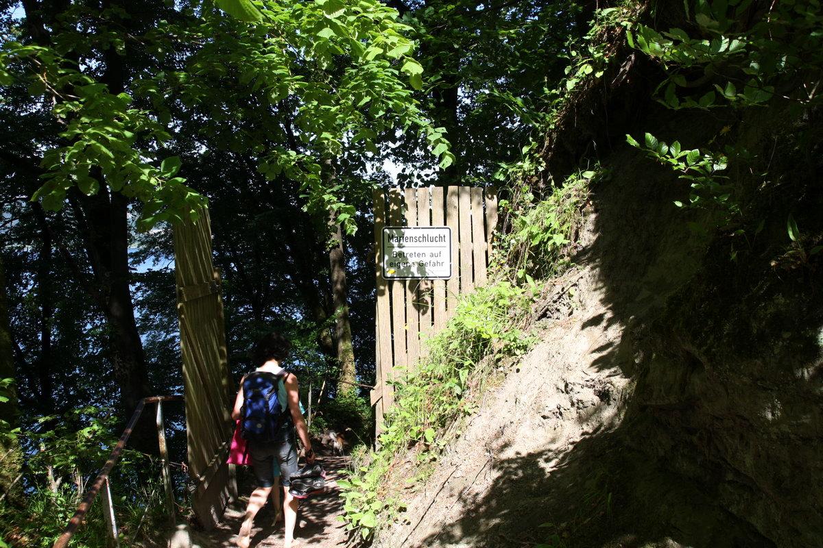 Der Eingang zur Marienschlucht von oben - als die Begehung noch möglich war.